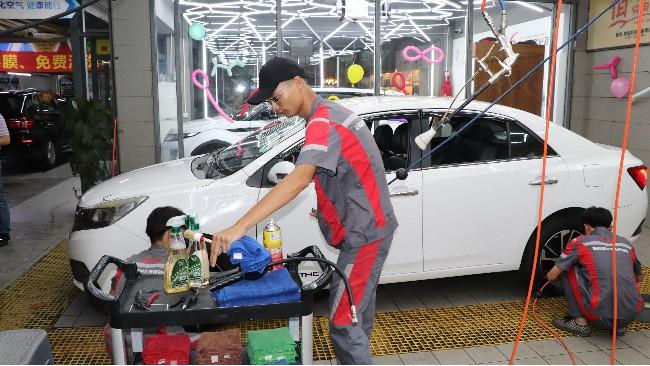 汽车美容店如何转化管理洗车客户呢?